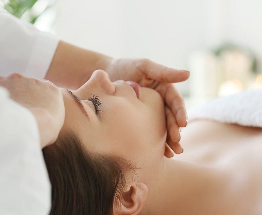Massage du visage aux techniques japonaises 2